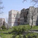 904842-theodosian_city_wall-Istanbul