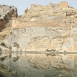stock-footage-ruins-of-rumkale-fortress-near-halfeti-in-turkey